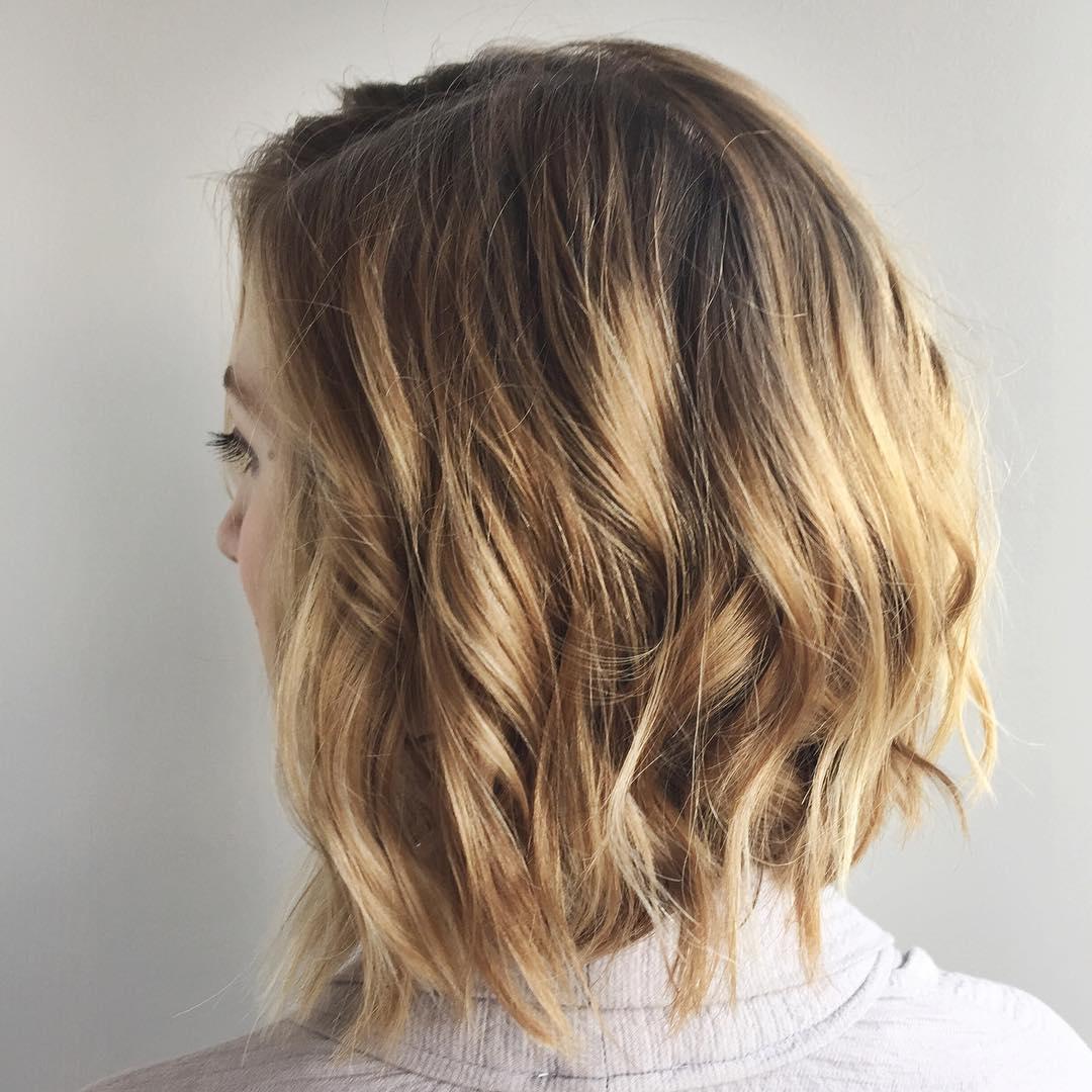 Nice curly bob hairstyle for medium length hair